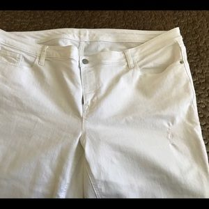 Old Navy women plus stretch ankle white jean